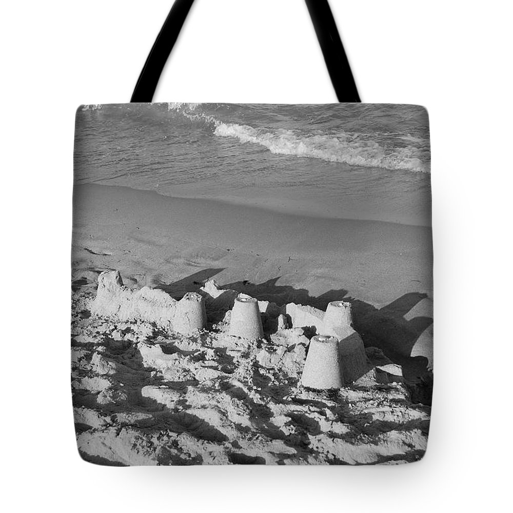 Sea Scape Tote Bag featuring the photograph Sand Castles By The Shore by Rob Hans