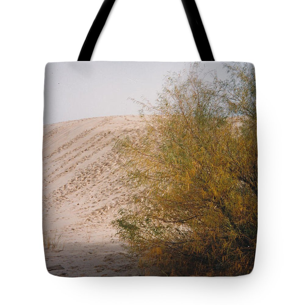 Sands Sand Footprints Bush Tote Bag featuring the photograph Sands Of Monahans by Cindy New