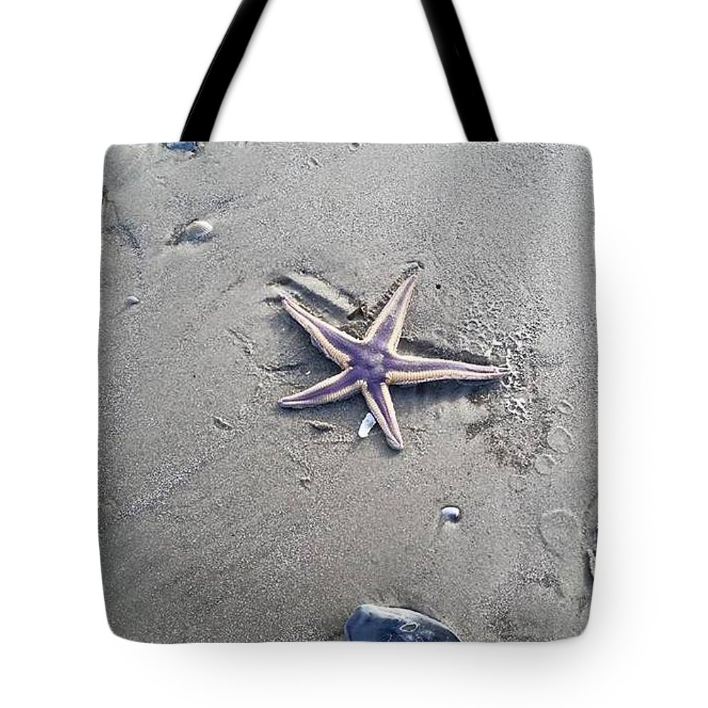 Starfish Tote Bag featuring the photograph Sandy Star by Sandra Carter