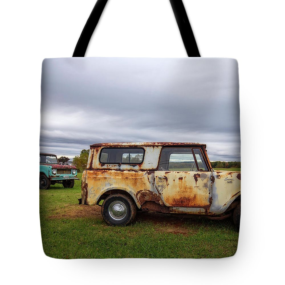 International Tote Bag featuring the photograph Scouts And Sky by Alan Raasch