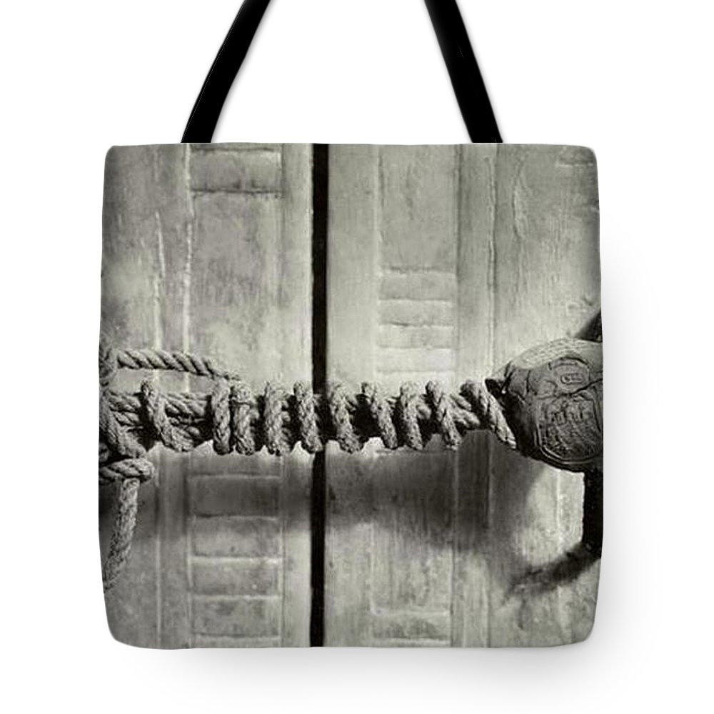 King Tote Bag featuring the photograph Seal Of Tutankhamun's Tomb by Historical Photograph