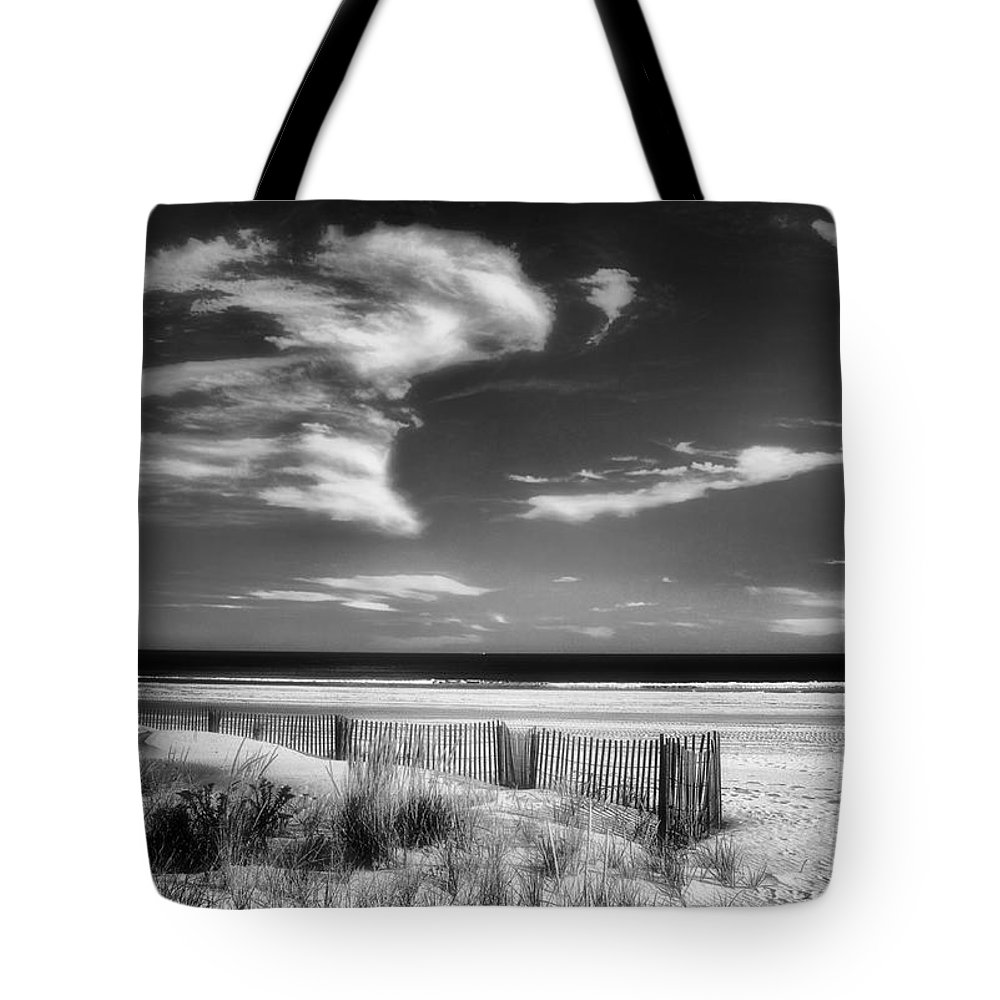 Seascape In Black And White Tote Bag featuring the photograph Seascape In Black And White by Carolyn Derstine
