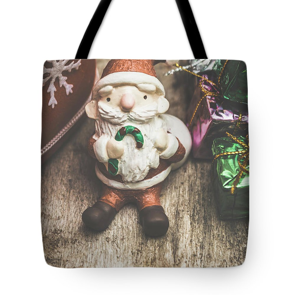 Santa Tote Bag featuring the photograph Seasons Greeting Santa by Jorgo Photography - Wall Art Gallery