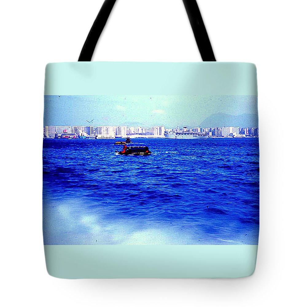 Ships Tote Bag featuring the photograph Seattle Shoreline by Maro Kentros