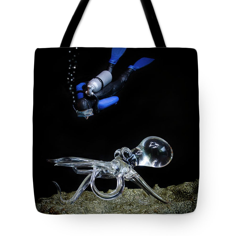 Seeing Eye To Eye Tote Bag featuring the photograph Seeing Eye To Eye by Bob Christopher