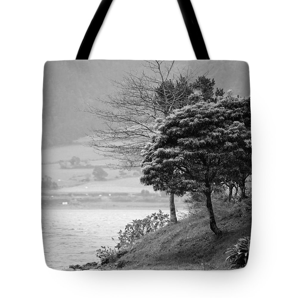 Azoren Tote Bag featuring the photograph Sete Cidades Lakes by Gaspar Avila