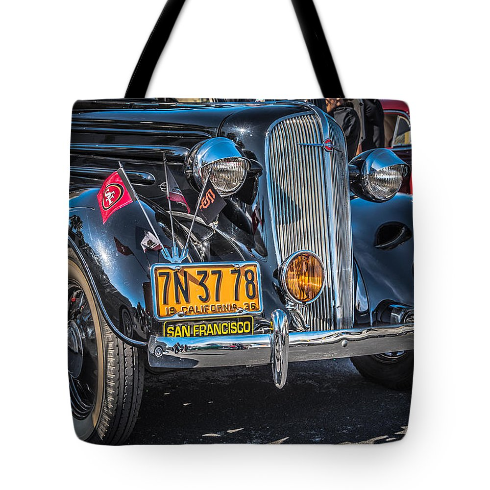 San Francisco Low Riders Tote Bag featuring the photograph Sf Lowriders by Jayasimha Nuggehalli