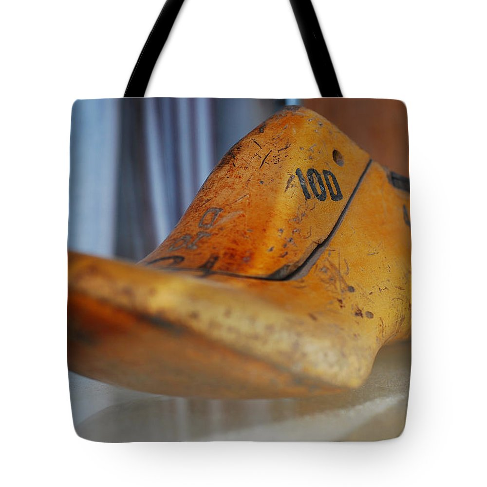 Wooden Tote Bag featuring the photograph Shape Shifter by Skip Hunt