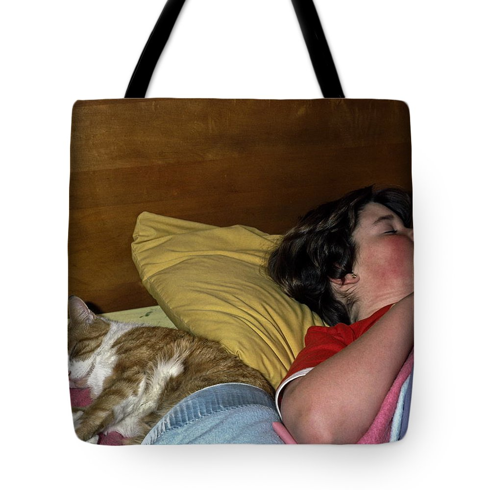 Orange Tabby Cat And Tote Bag featuring the photograph Sharing The Bed by Sally Weigand