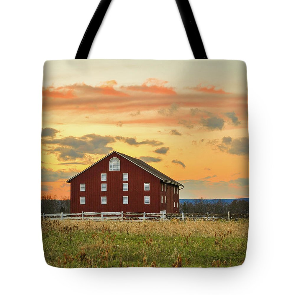 Gettysburg Tote Bag featuring the photograph Sherfy Barn by Jen Goellnitz