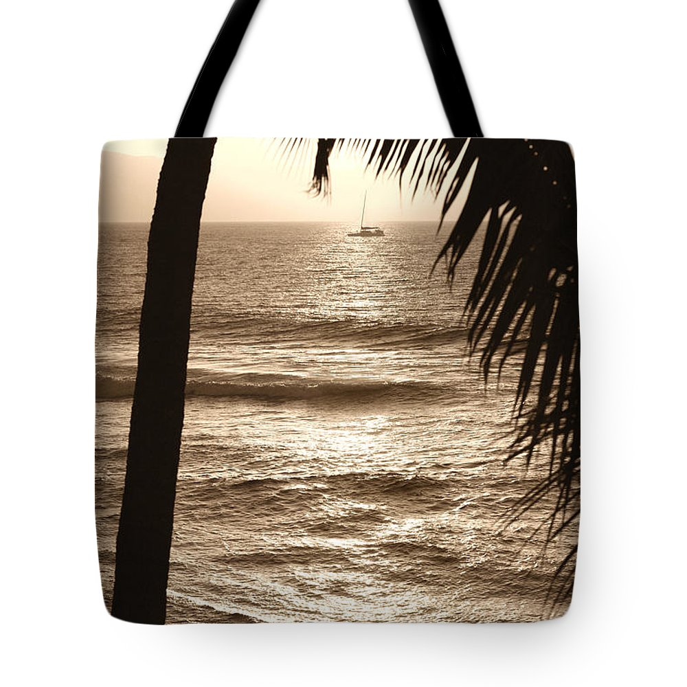 Hawaii Tote Bag featuring the photograph Ship In Sunset by Marilyn Hunt