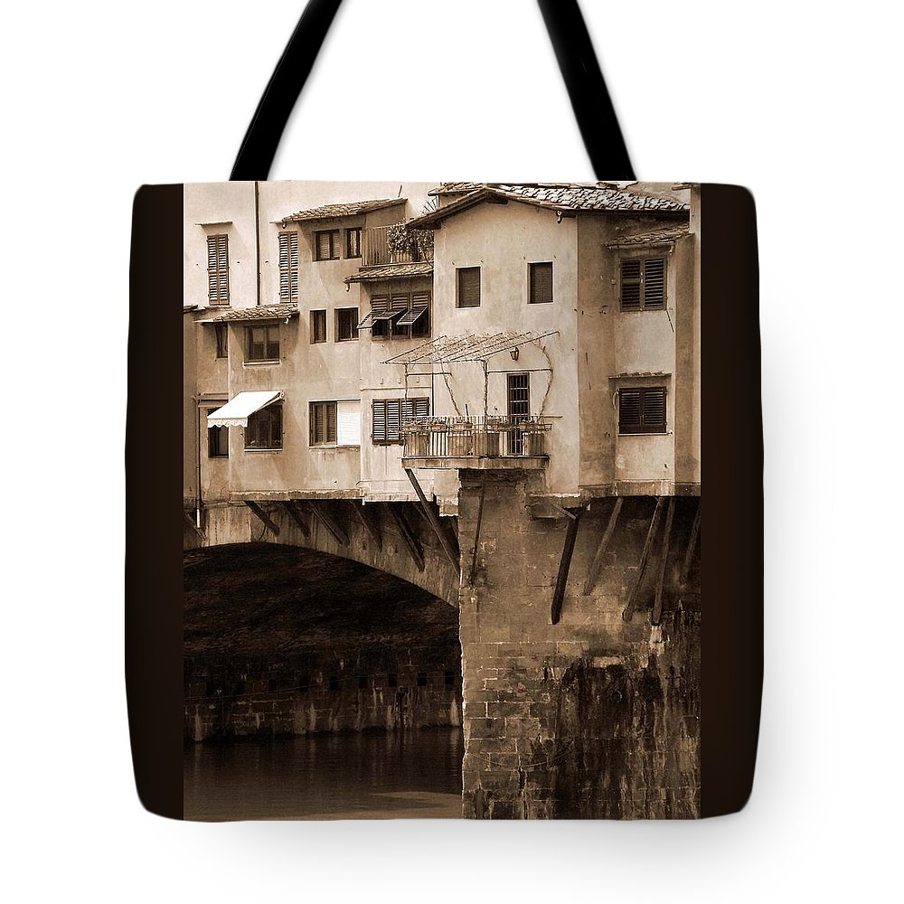 Shops Tote Bag featuring the photograph Shops On The Ponte Vecchio by Donna Corless