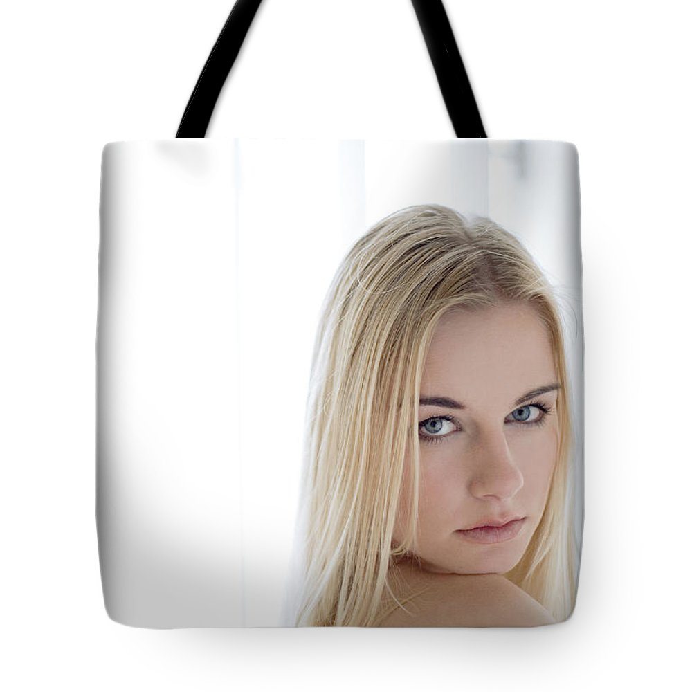 Sensual Tote Bag featuring the photograph Sincere by Olivier De Rycke