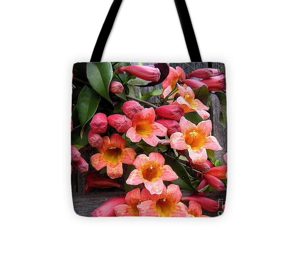 Nature Tote Bag featuring the photograph Singing Corals by Lucyna A M Green