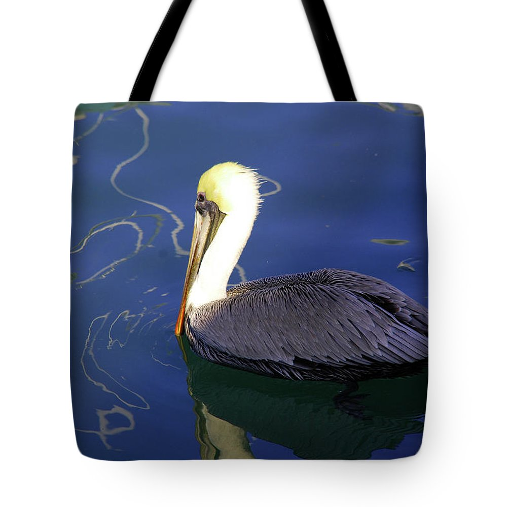 Lonely Tote Bag featuring the photograph Single But Not Lonely by Susanne Van Hulst