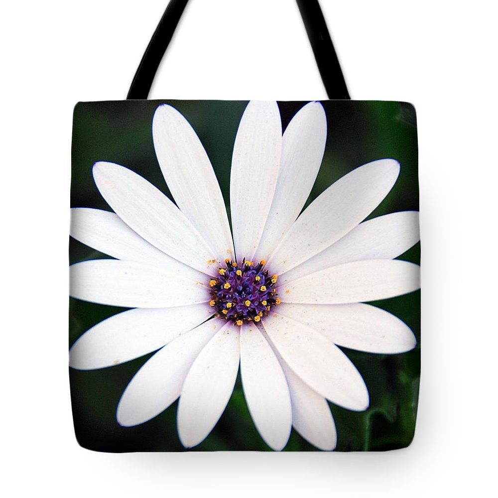 Daisy Tote Bag featuring the photograph Single White Daisy Macro by Georgiana Romanovna