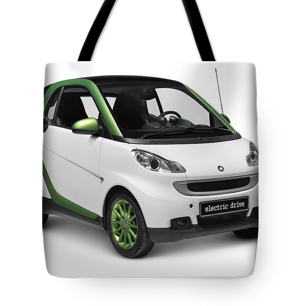 Smart Tote Bag featuring the photograph Smart Fortwo Electric Drive by Oleksiy Maksymenko