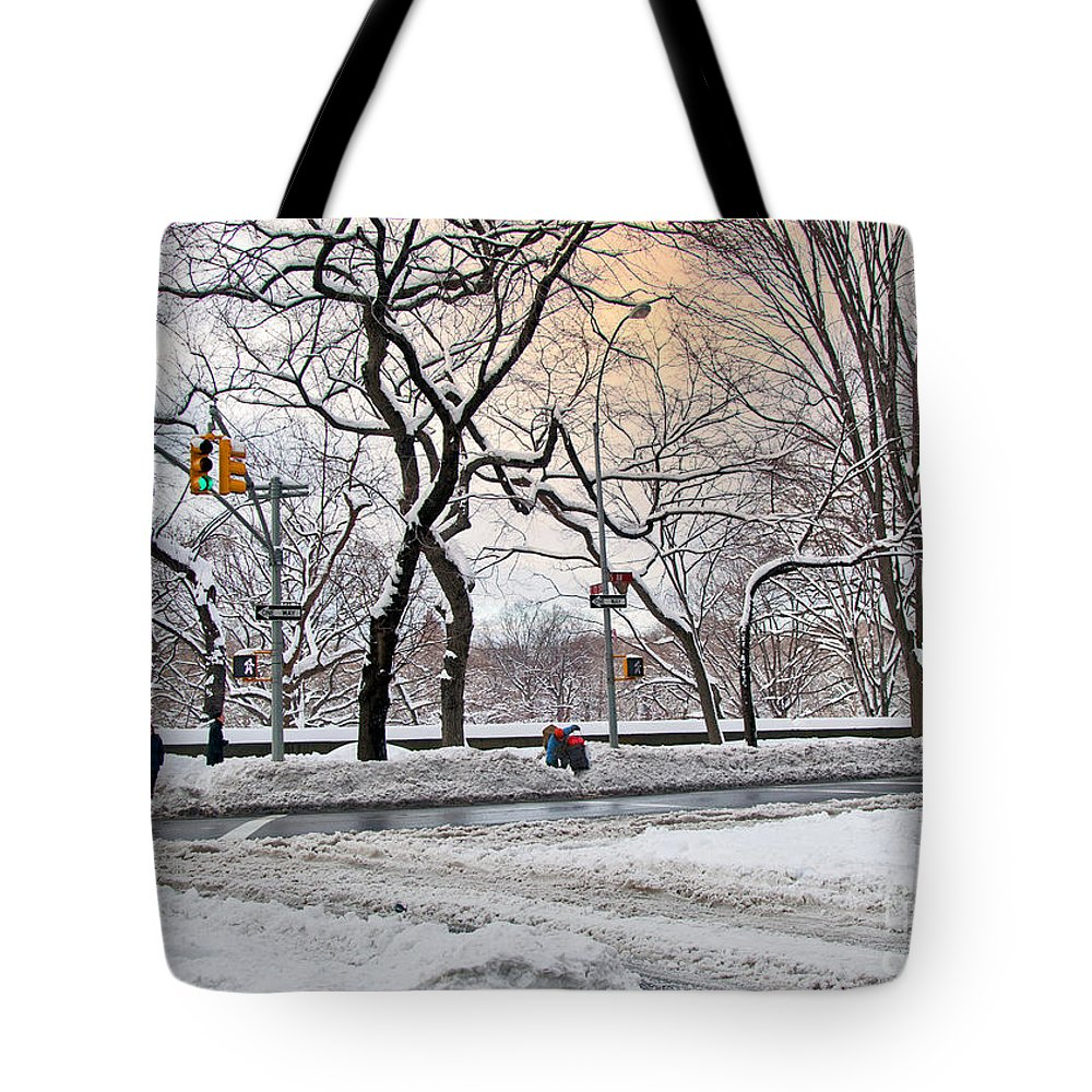 Snow Tote Bag featuring the photograph Snow Day On 5th Avenue by Madeline Ellis