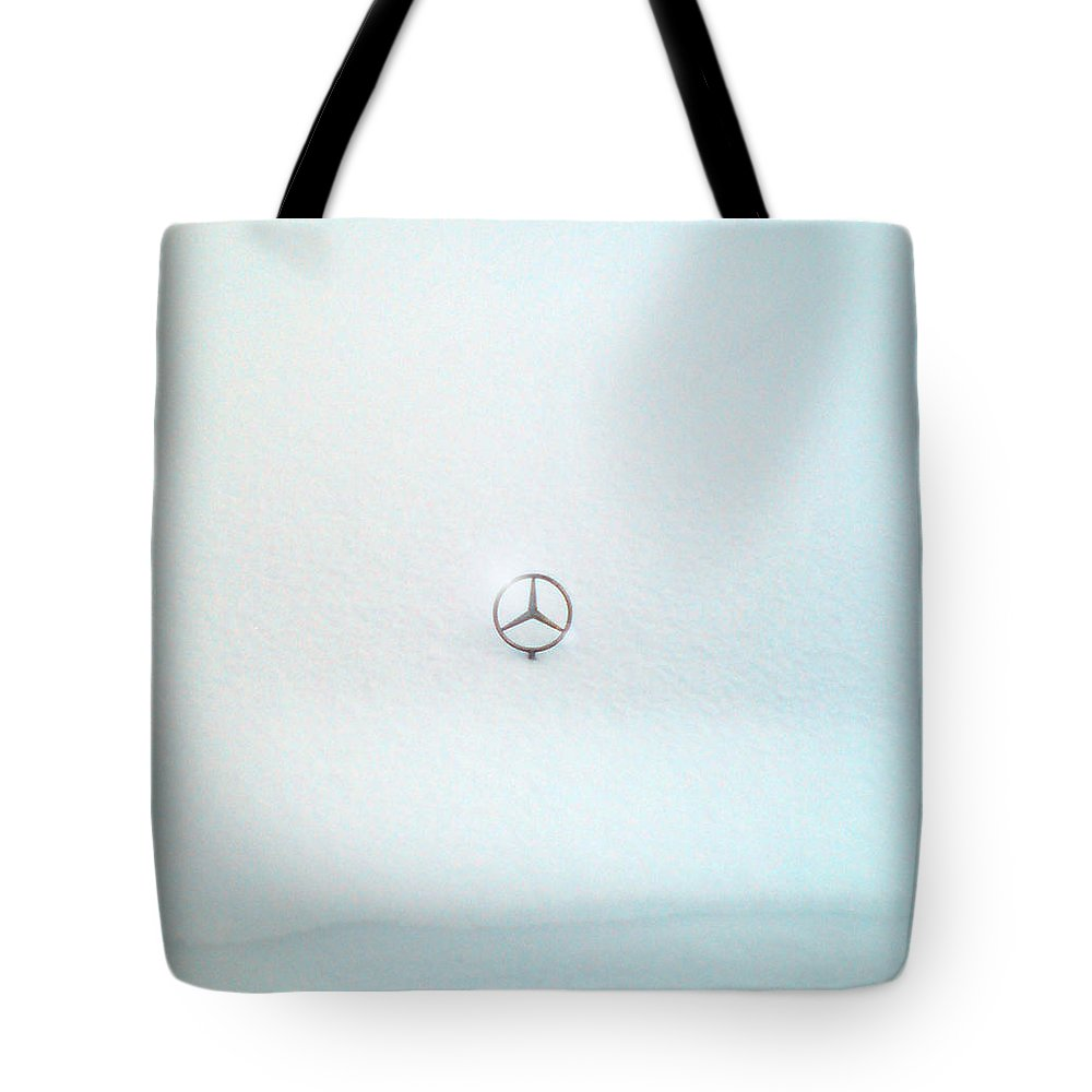 Snow Tote Bag featuring the photograph Snow Star by Are Lund