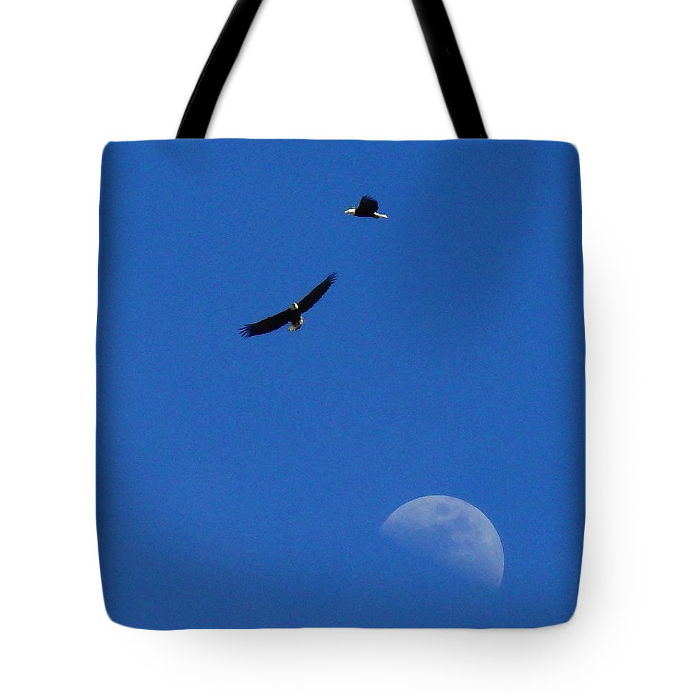 Eagle Tote Bag featuring the photograph Soaring Eagles by Diane Barone