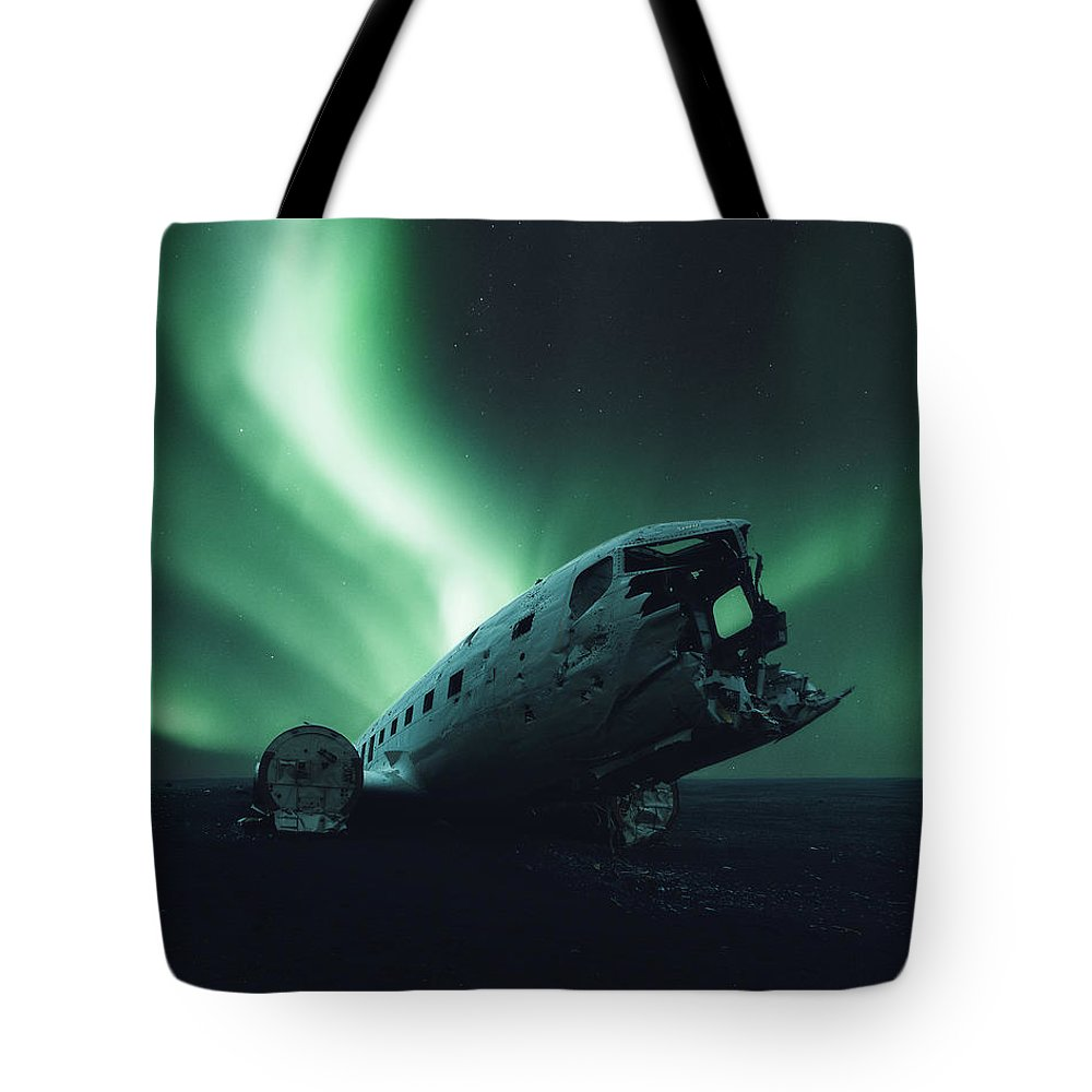 Solheimsandur Tote Bag featuring the photograph Solheimsandur Crash Site by Tor-Ivar Naess