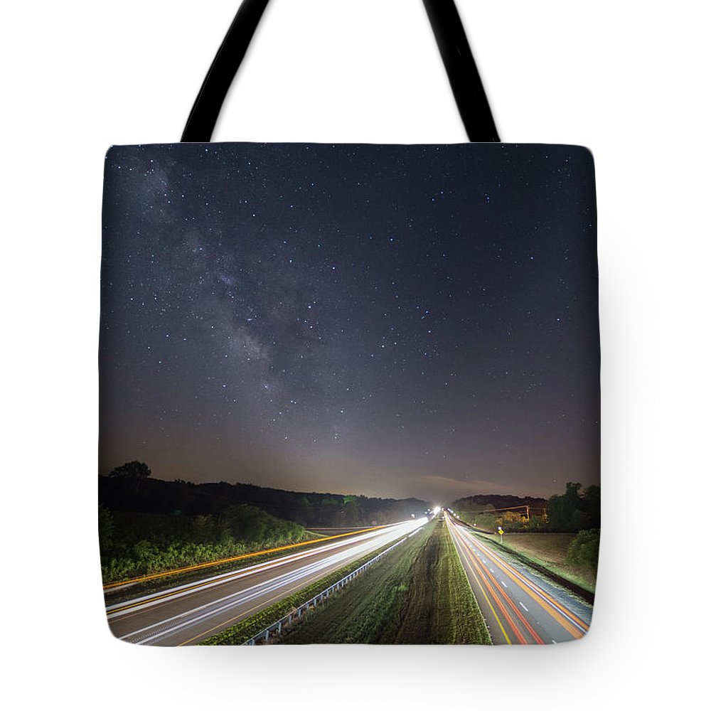 Tote Bag featuring the photograph Southbound by Steve Hammer