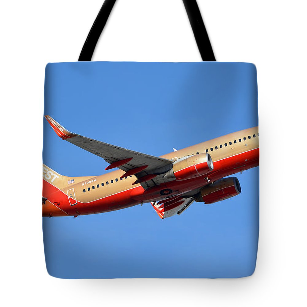 Airplane Tote Bag featuring the photograph Southwest Boeing 737-7h4 N792sw Retro Gold Phoenix Sky Harbor January 21 2016 by Brian Lockett