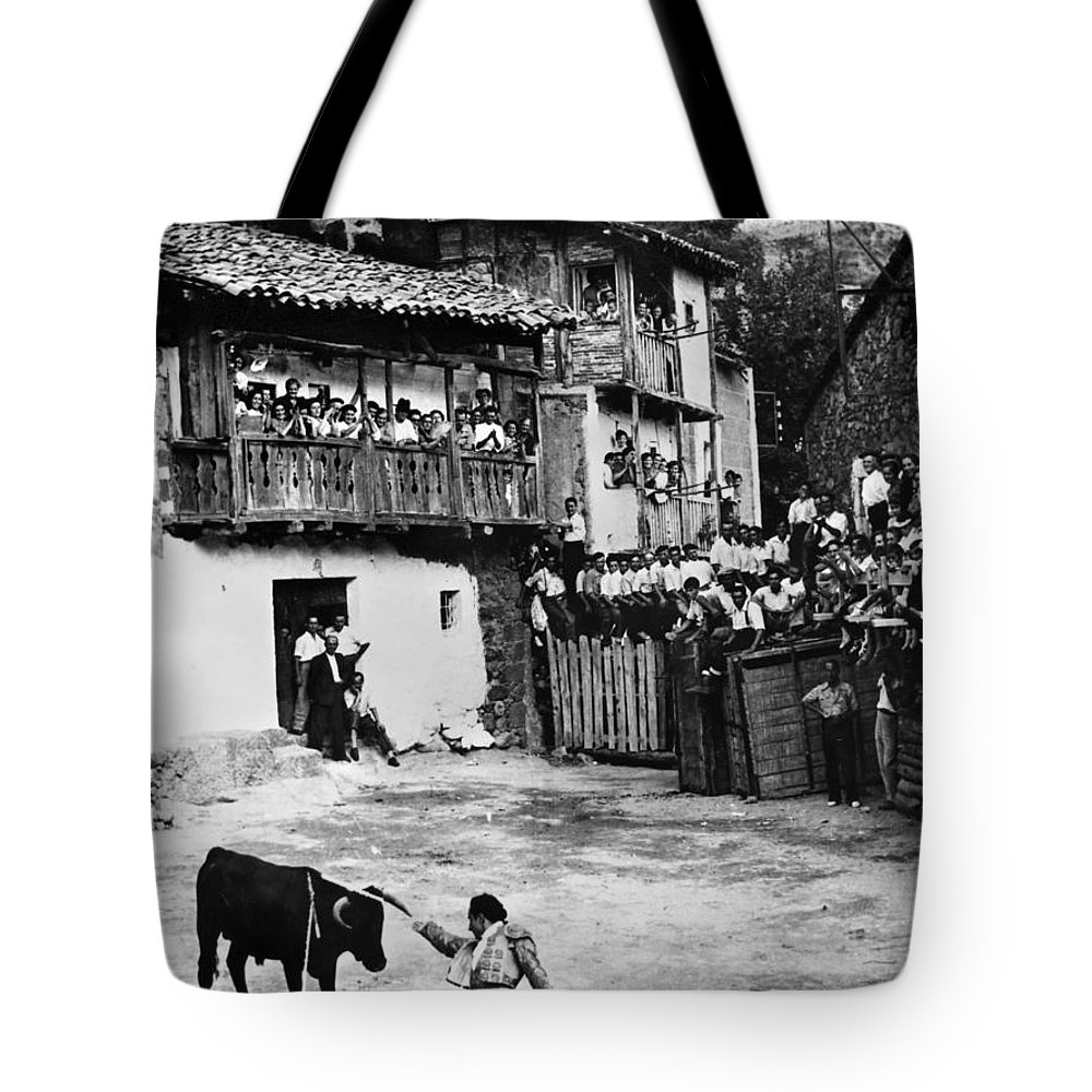 20th Century Tote Bag featuring the photograph Spain: Bullfight by Granger