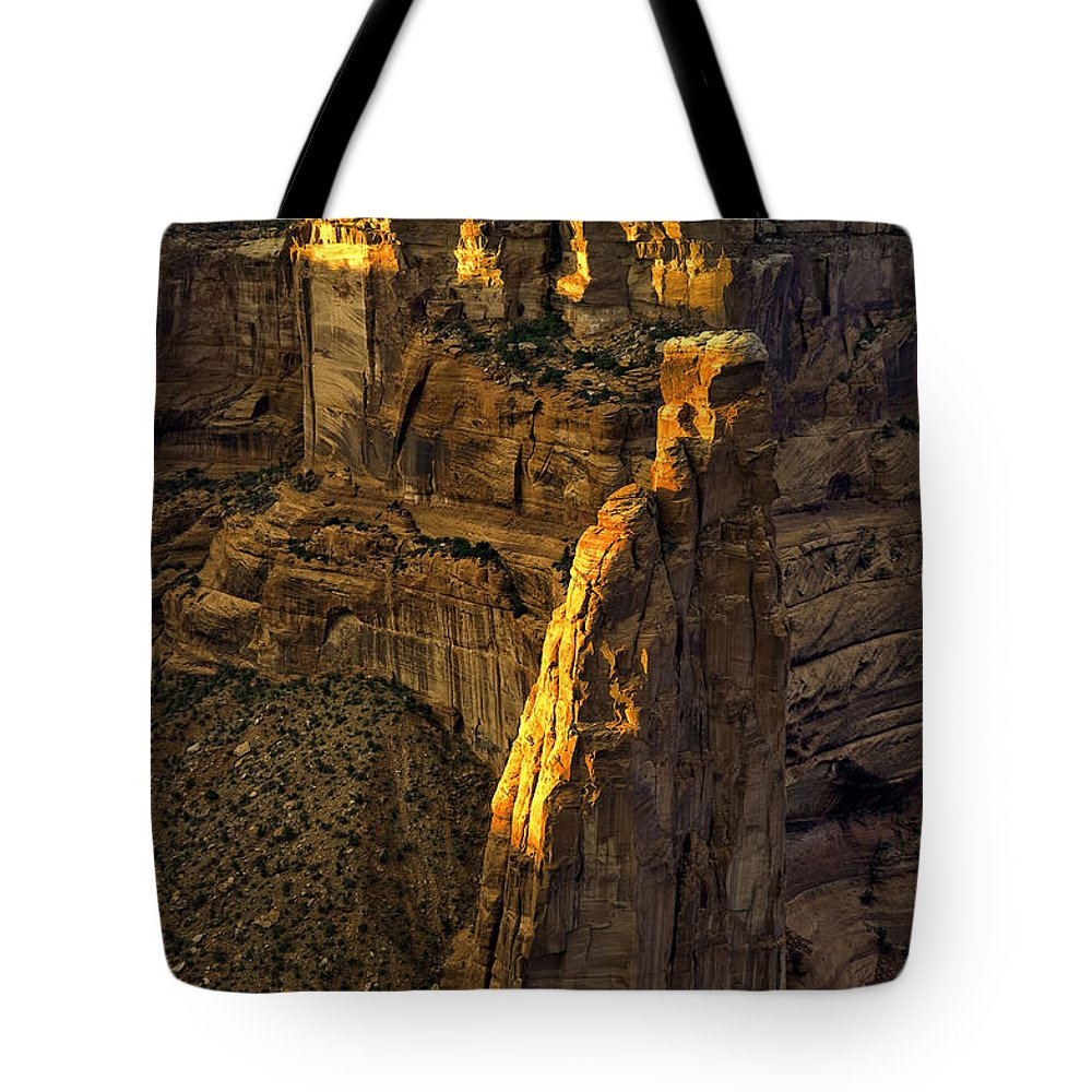 Canyon De Chelly Tote Bag featuring the photograph Spider Woman Rock One by Paul Basile