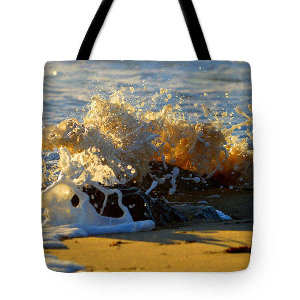 Ocean Tote Bag featuring the photograph Splash Of Summer - Cape Cod National Seashore by Dianne Cowen
