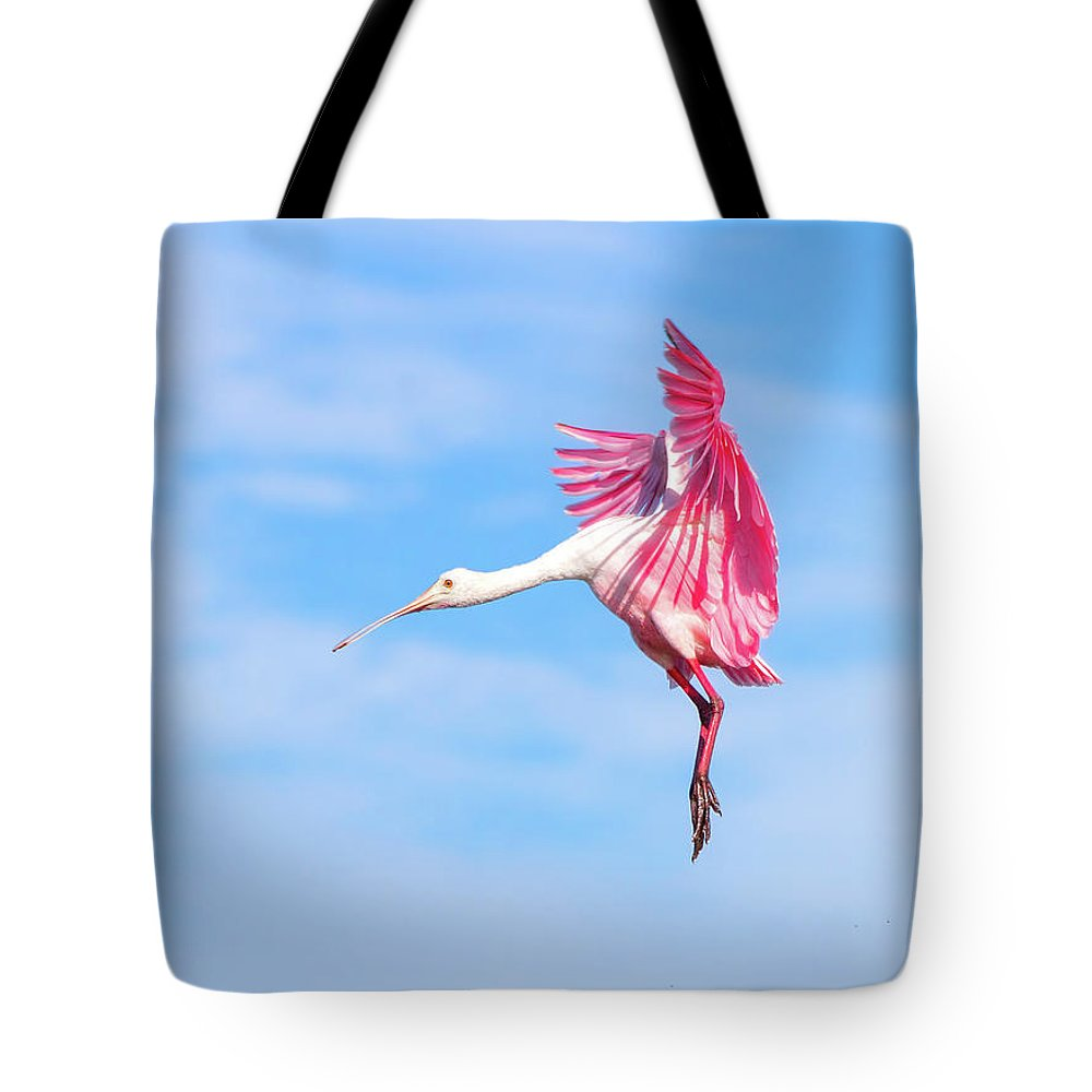 Roseate Spoonbill Tote Bag featuring the photograph Spoonbill Ballet by Mark Andrew Thomas