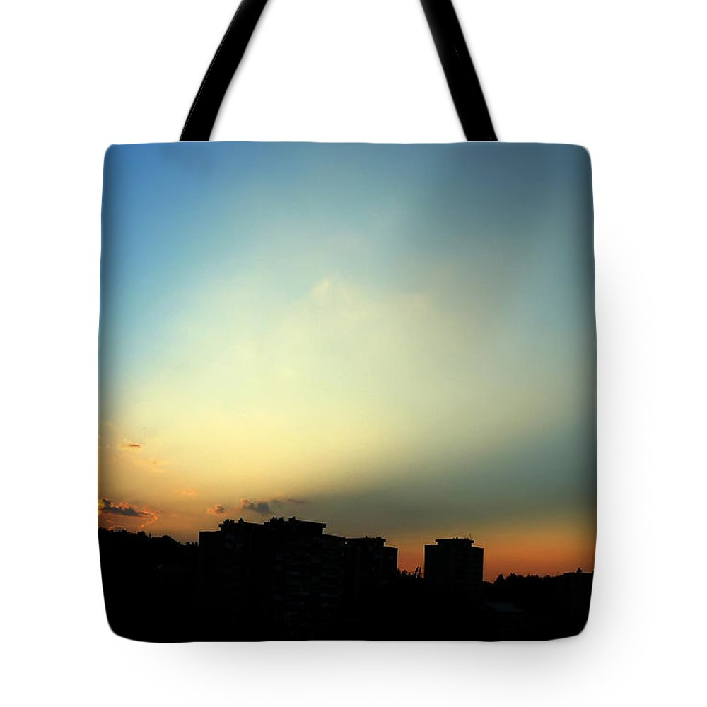 Nature Tote Bag featuring the photograph Spotlight by Daniel Csoka