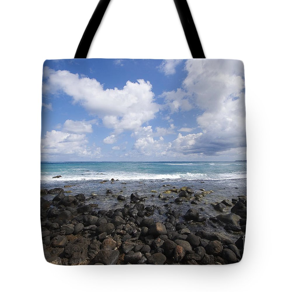 Beach Tote Bag featuring the photograph Spreckelsville, Rocky Shoreline by Ron Dahlquist - Printscapes