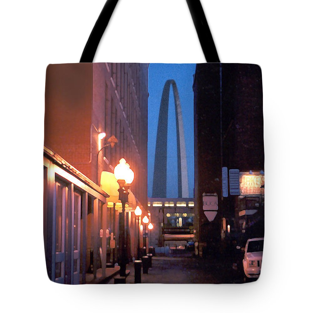 St. Louis Tote Bag featuring the photograph St. Louis Arch by Steve Karol