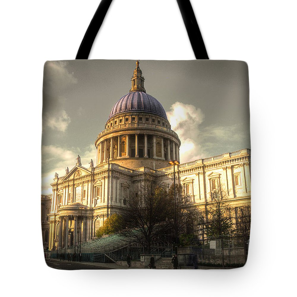 St Pauls Cathedral Tote Bag featuring the photograph St Paul's Cathedral by Rob Hawkins