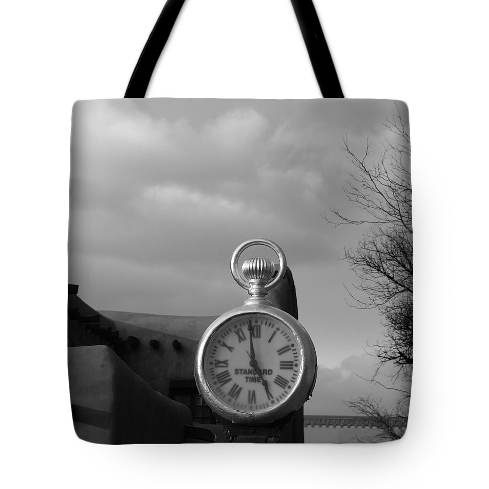 Black And White Tote Bag featuring the photograph Standard Time by Rob Hans