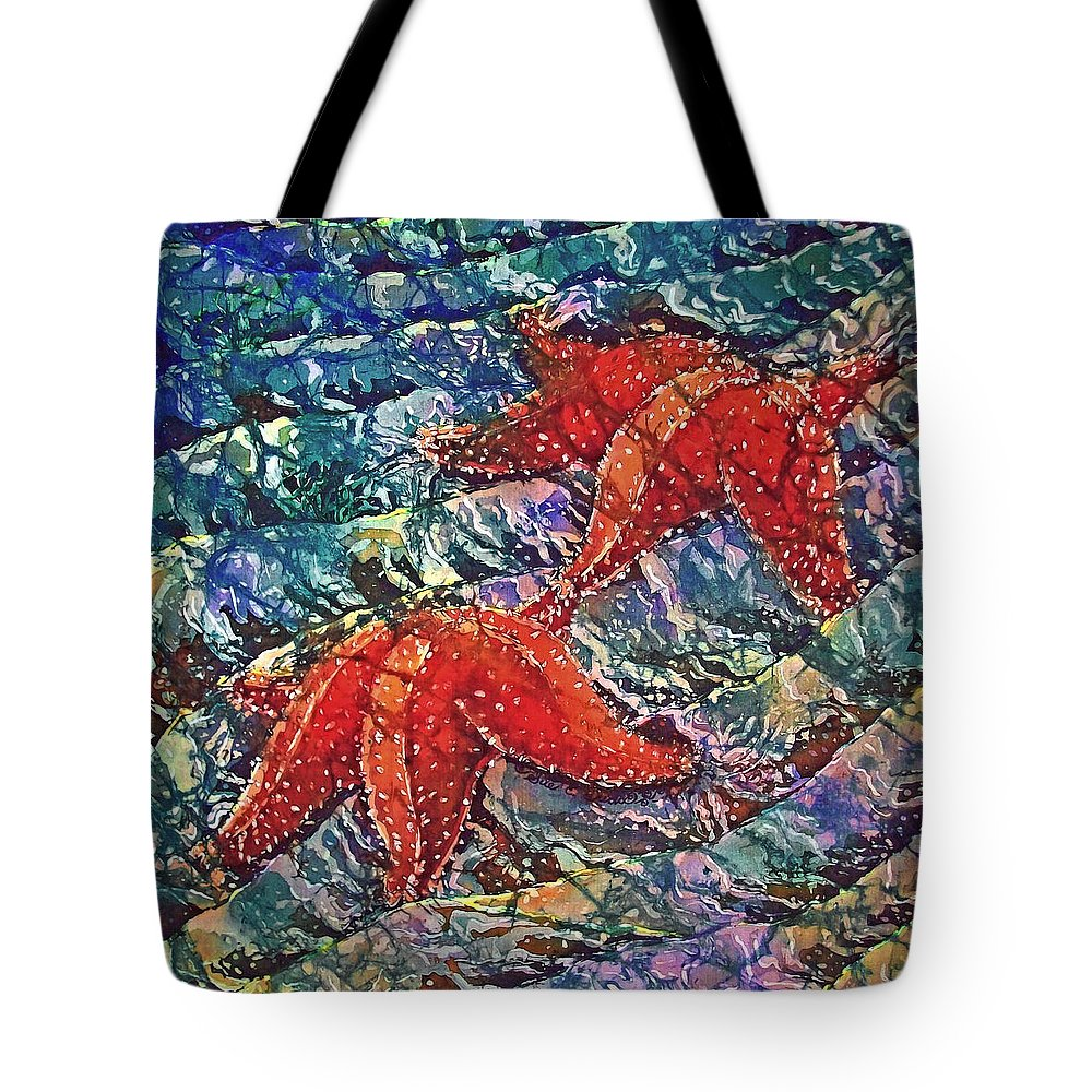 Stars Tote Bag featuring the painting Starfish 2 by Sue Duda