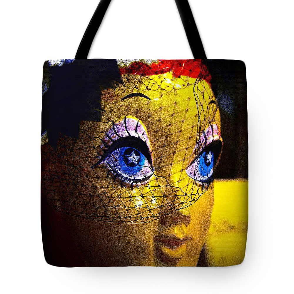 Starry Eyed Tote Bag featuring the photograph Starry Eyed by David Lee Thompson