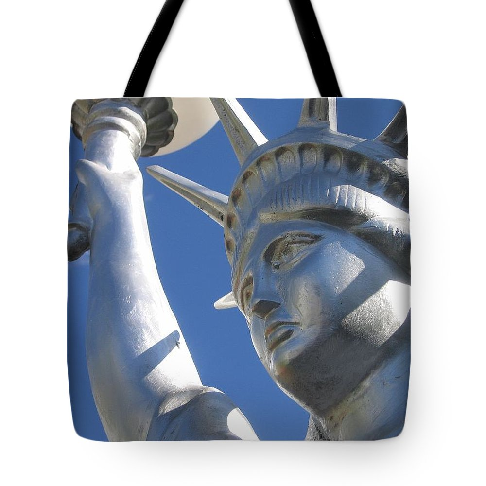 Statue Of Liberty Restaurant Courtyard Chandler Arizona 2005 Tote Bag featuring the photograph Statue Of Liberty Restaurant Courtyard Chandler Arizona 2005 by David Lee Guss