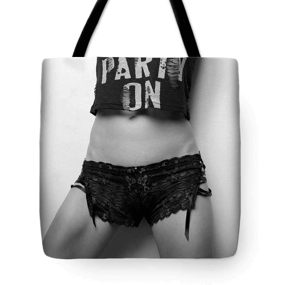 Blk And Wht Tote Bag featuring the photograph Stay Calm by Jae Feinberg