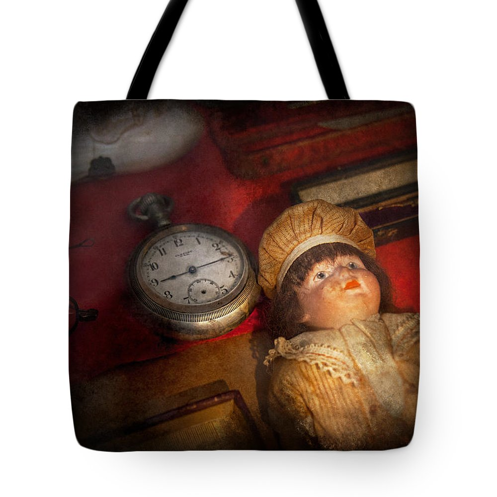 Hdr Tote Bag featuring the photograph Steampunk - 9-14 by Mike Savad