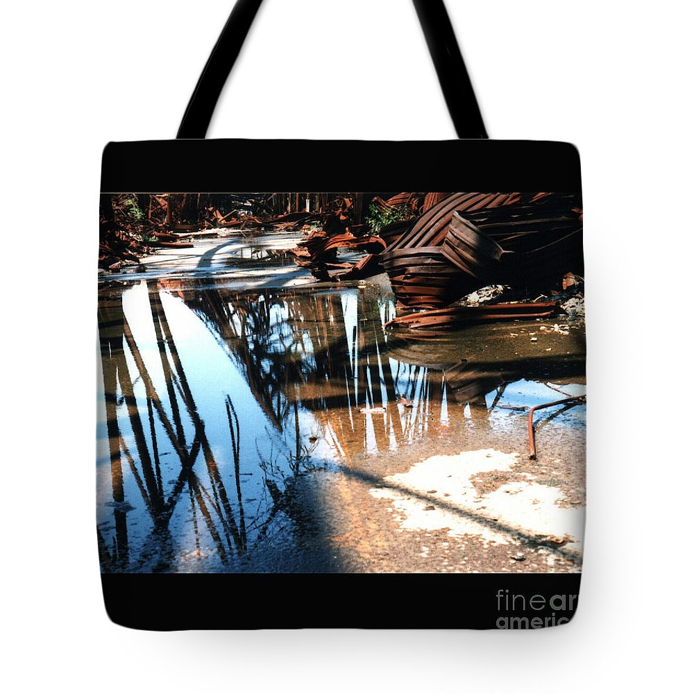 Cityscape Tote Bag featuring the photograph Steel River by Ze DaLuz