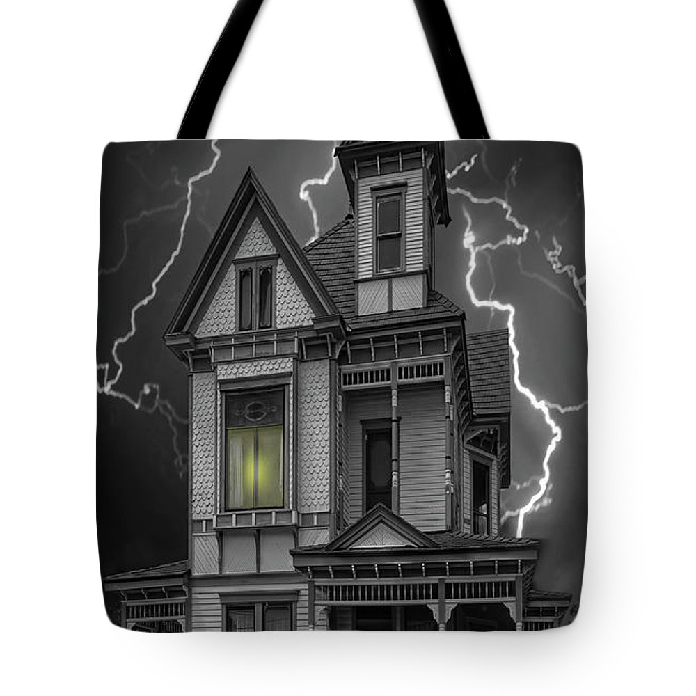 Architecture Tote Bag featuring the photograph Stephenville Home by Sherry Adkins