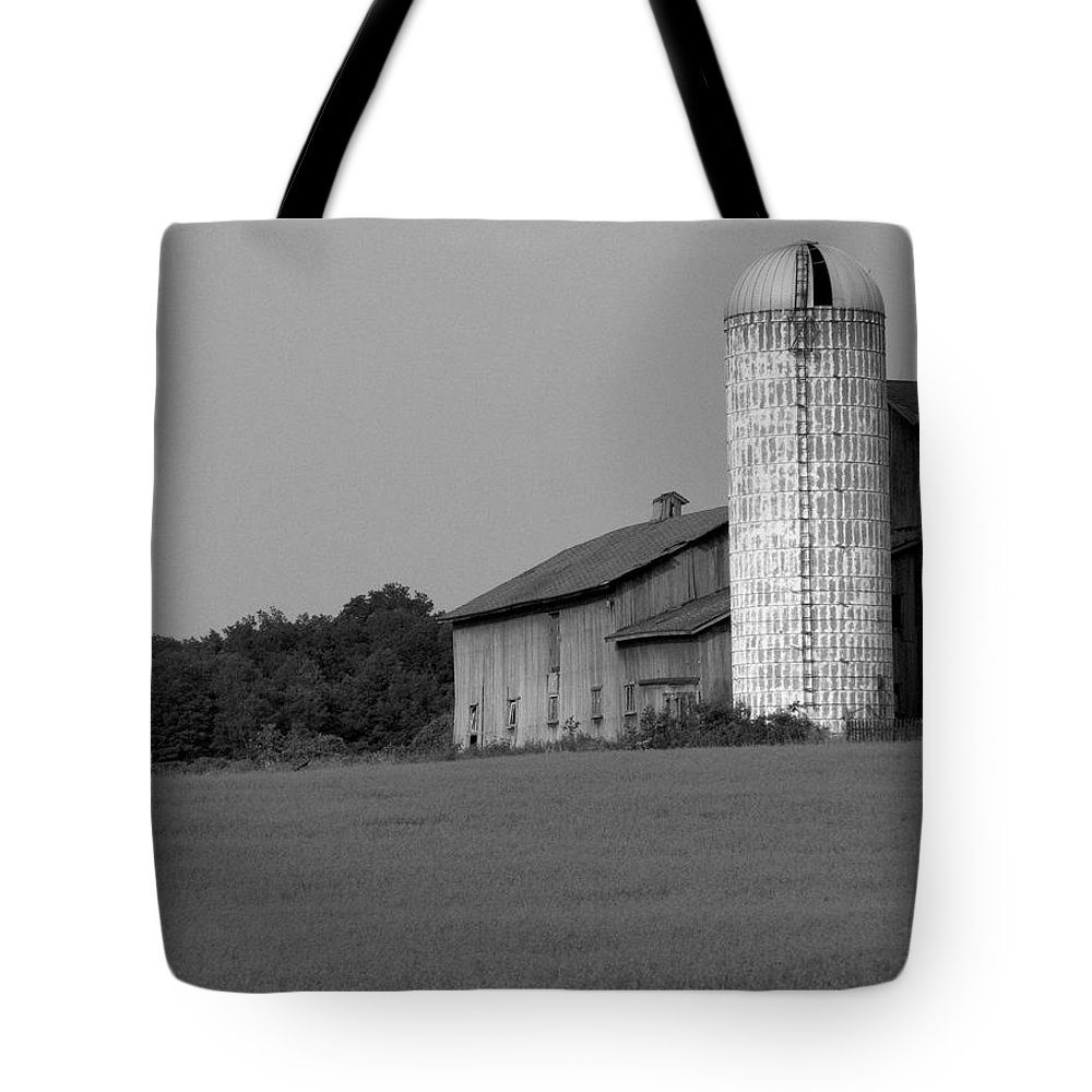 Barn Tote Bag featuring the photograph Still Here by Rhonda Barrett