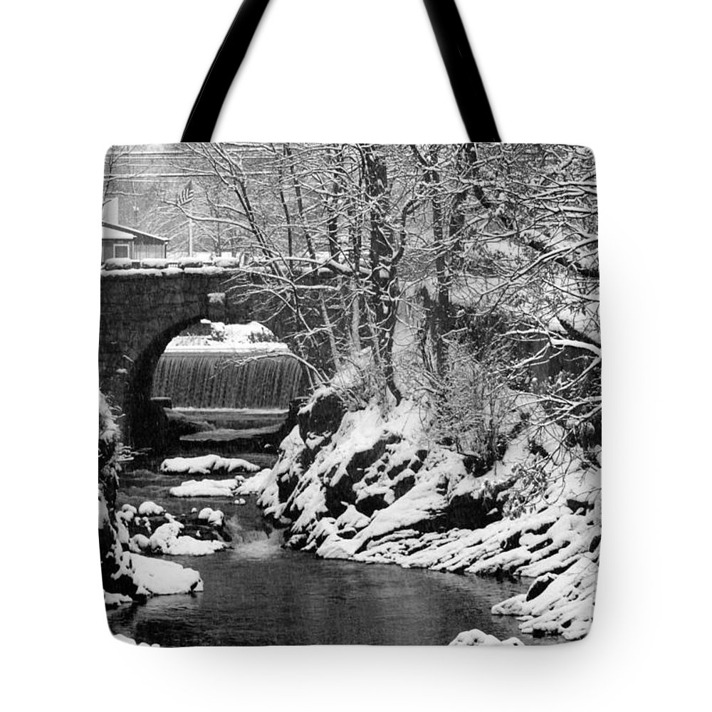 Water Tote Bag featuring the photograph Stone-bridge by John Scates