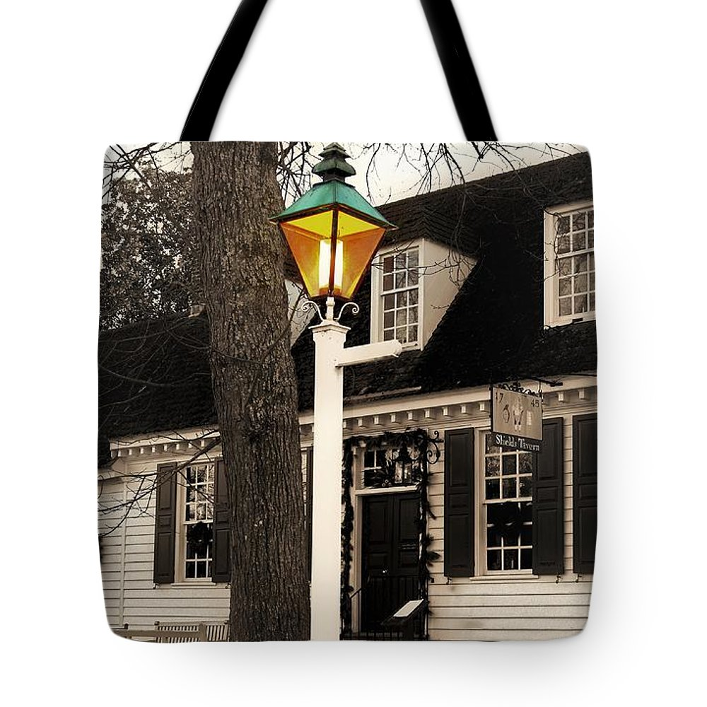 Street Lamp Tote Bag featuring the photograph Street Lamp by Patti Whitten