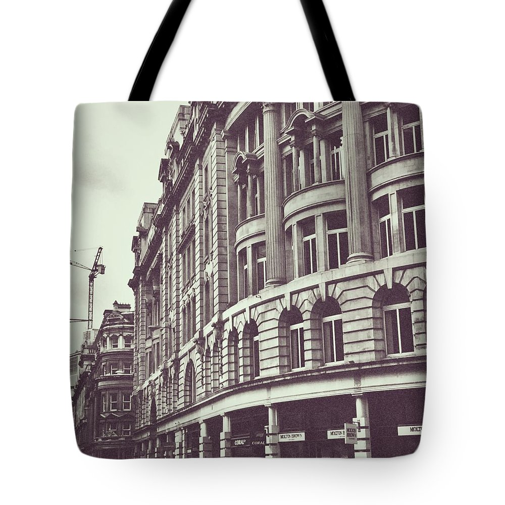 London Tote Bag featuring the photograph Streets of London by Trystan Oldfield