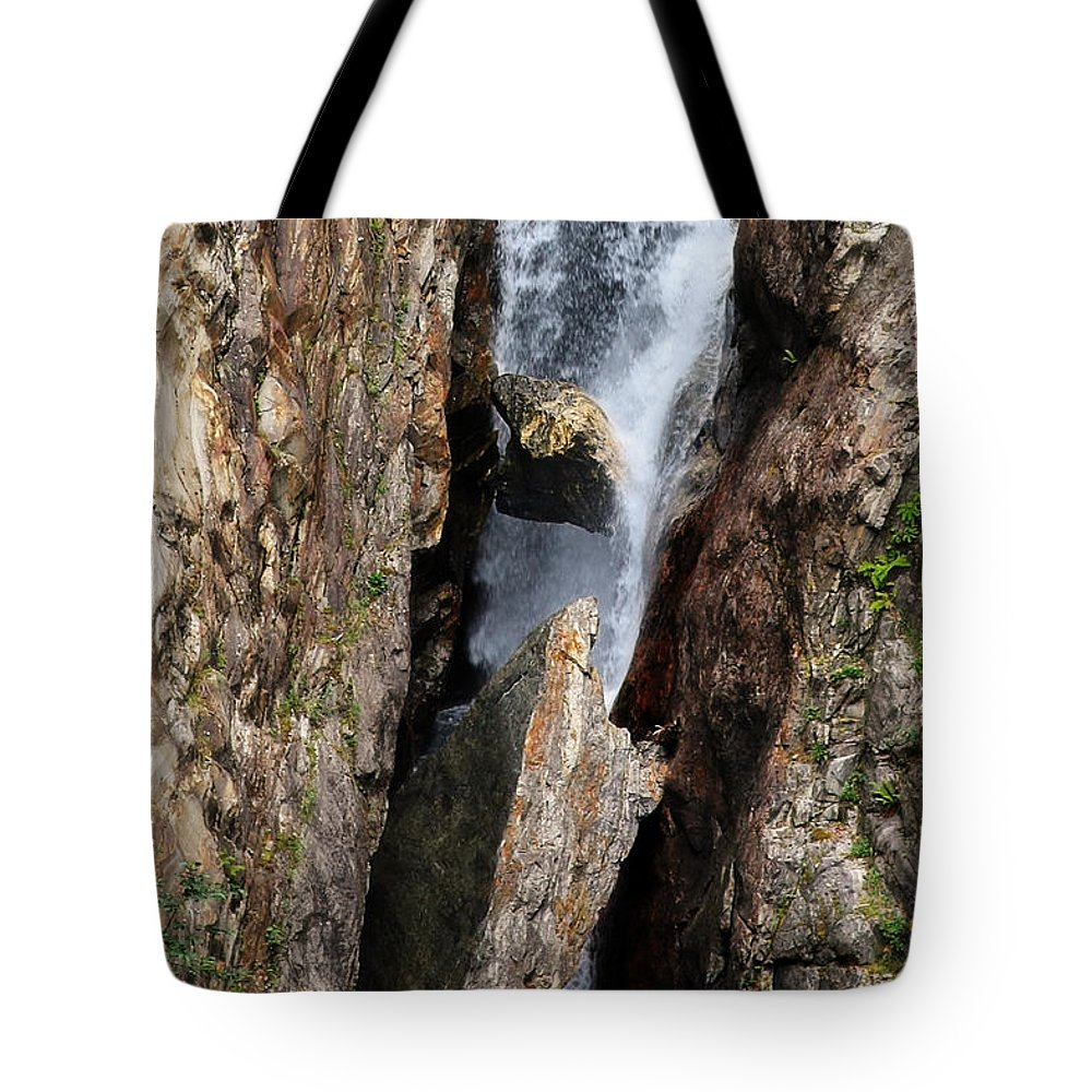 Boulder Tote Bag featuring the photograph Stuck In The Middle by Christine Till