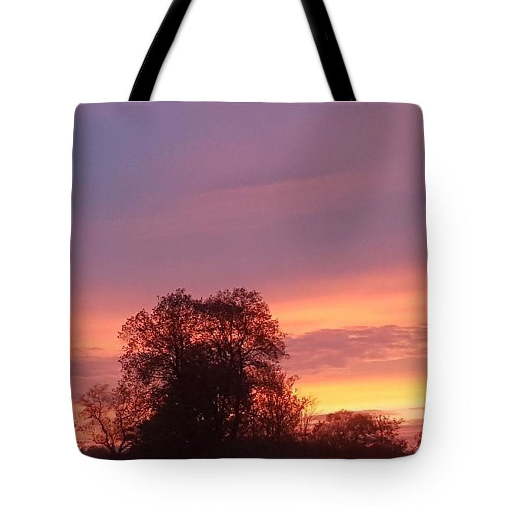 Sunset Tote Bag featuring the photograph Stunning Sunset by T Mosko
