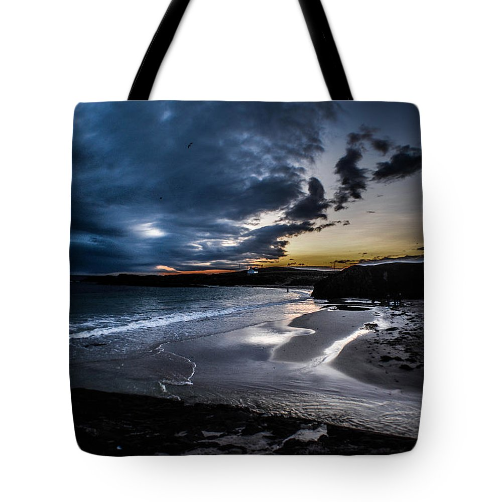 Clachtoll Tote Bag featuring the photograph Sundown At Clachtoll by Morag Locke